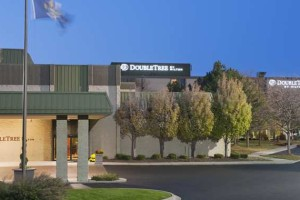 Welcome to DoubleTree by Hilton Detroit - Dearborn
